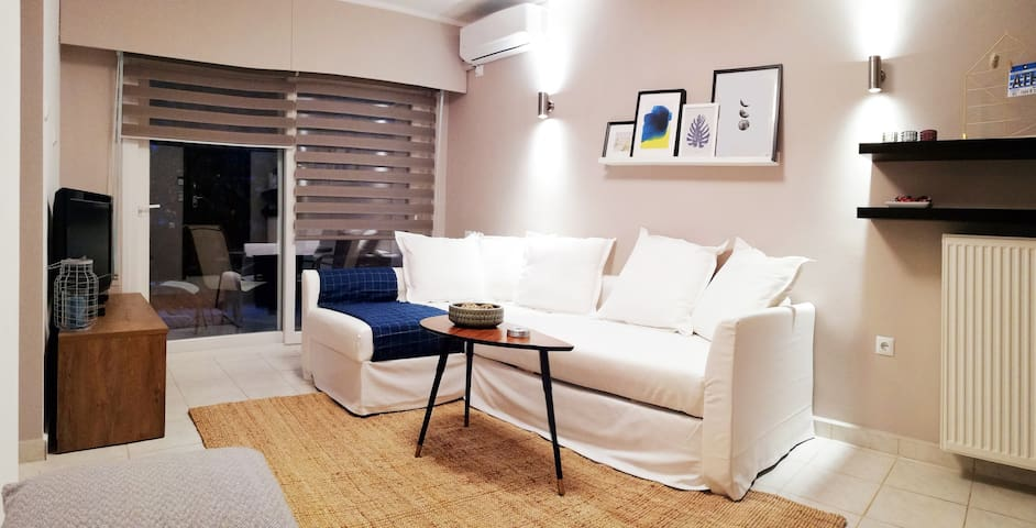 Prime Location Stylish Beach Apartment in Glyfada