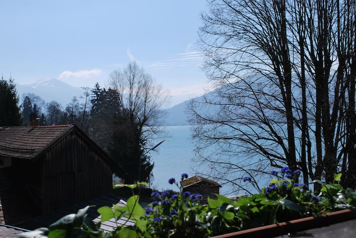 Sonniges Appartement direkt am Tegernsee - Gmund am Tegernsee - Apartamento