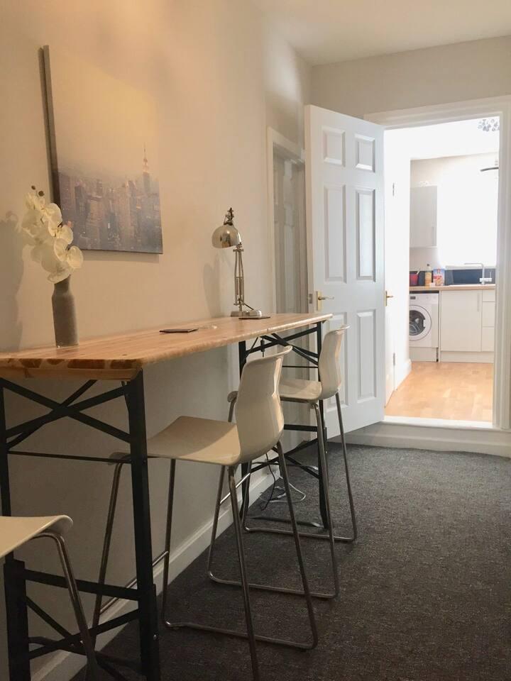 1 bedroom garden apartment Newhaven centre