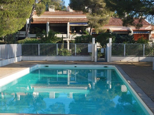 BICHET 4PER .50M BEACH. PARKING. POOL. QUIET - Roquebrune-sur-Argens - Apartment