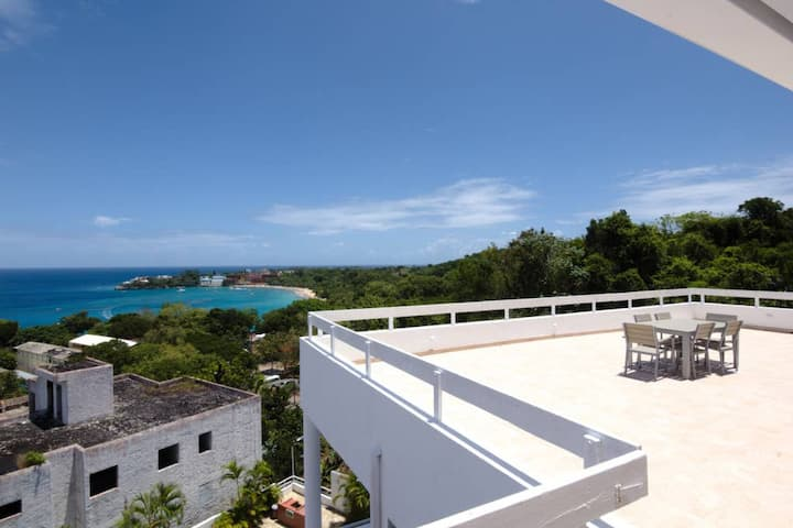 BEST view & price: 3BR Penthouse 300meter to Beach