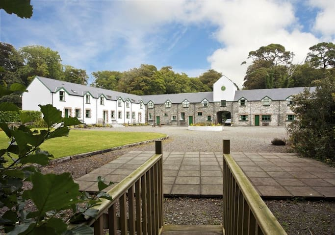 Ardnagashel Holiday Cottages 2 Bed
