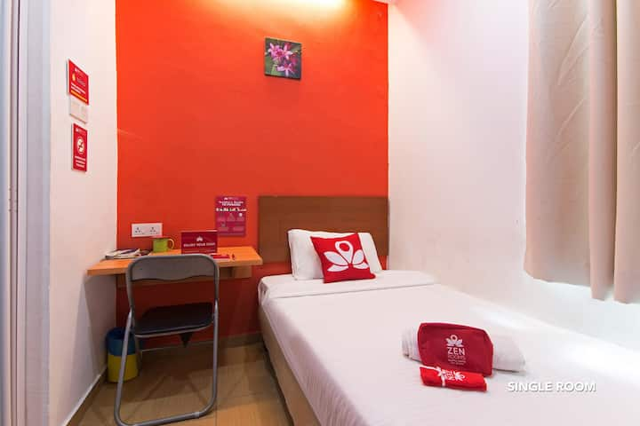Amazing Room at Colour Hotel