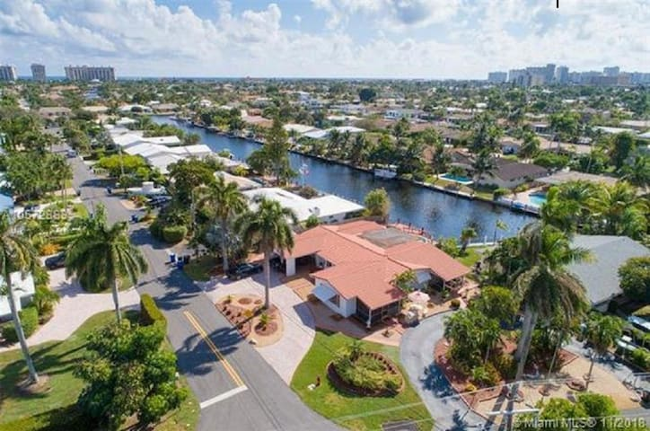 """Introducing """"2700 Palms Lauderdale"""" waterfront"""