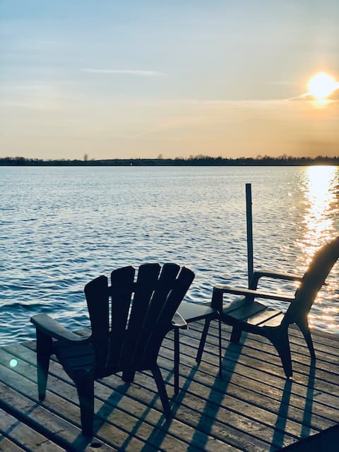 PRIVATE Lakefront Cottage Escape to yourself!!!