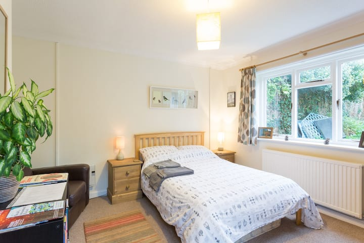 Lovely, sunny, double room