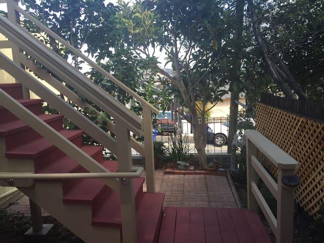 Small Private Cottage in Brisbane - Brisbane - Apartamento