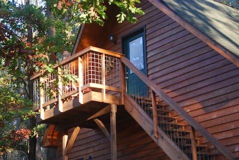 Guest Suite/Loft close to University Park