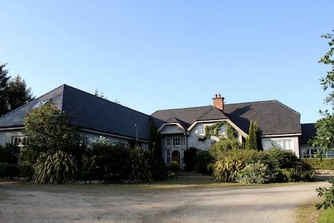 Ballymaconey House
