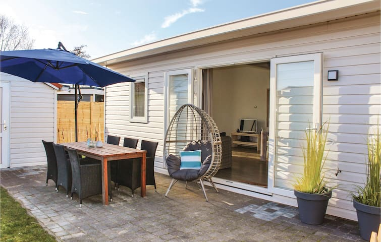 Holiday cottage with 3 bedrooms on 70m² in Sint-Annaland