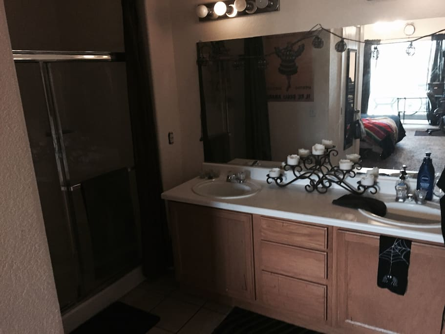 Master bath with amenities