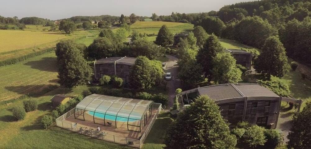 """Gîte avec piscine """"911-La Métairie"""" 5 pers."""