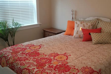 Comfy Downtown Space - Saint Augustine - Apartmen
