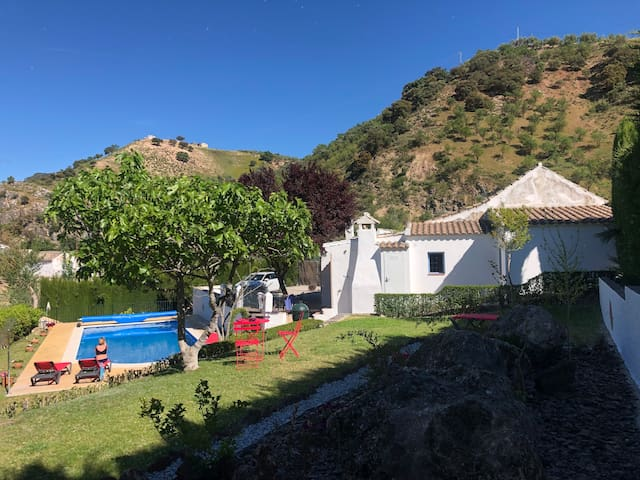 Beautiful Cortijo with Private Pool and Gardens