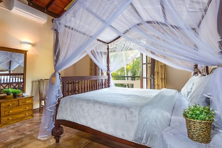Nilupul Gardens Privet Rooms - Kirantidiya