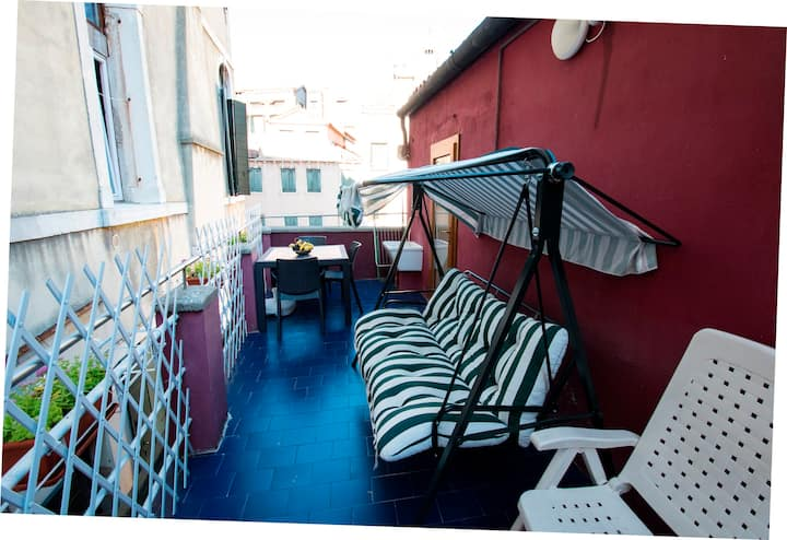 Apartment on the canal with terrace - X403