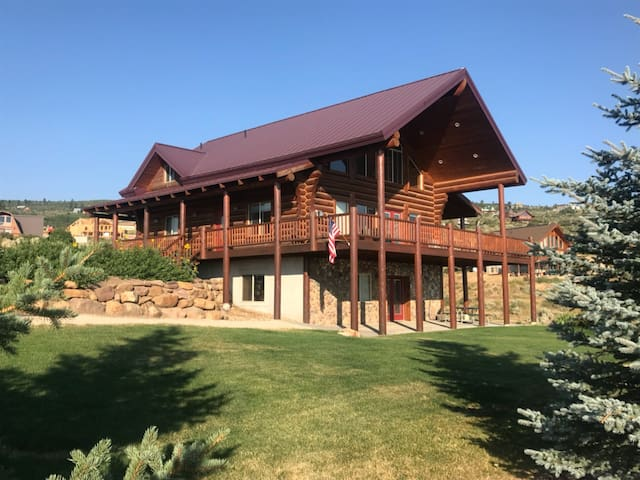 New Listing! Bear Ridge Lodge - Sleeps 20