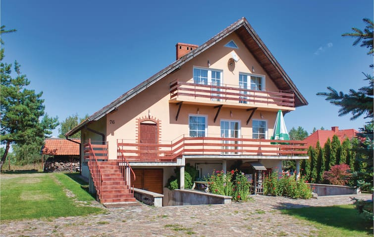 Holiday cottage with 4 bedrooms on 156m² in Orzysz
