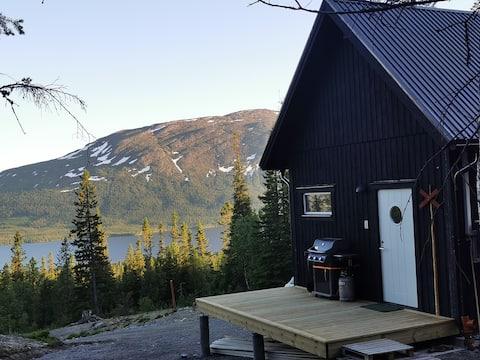 Ny byggd stuga på  40m2 + sovloft i vackra Ottsjö