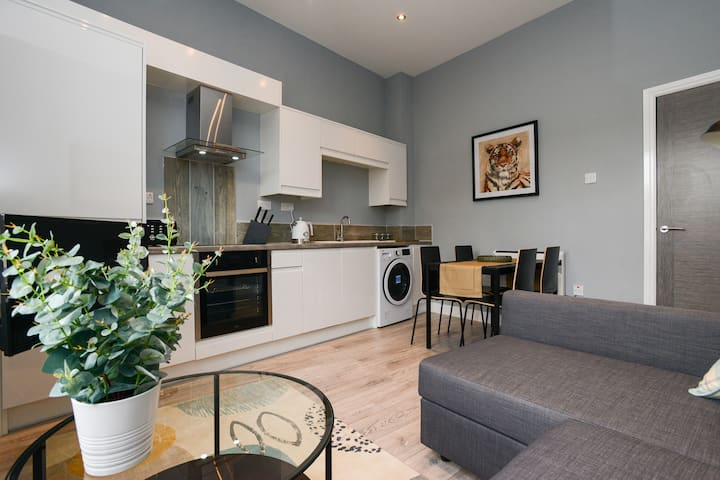Stylish, Essential  City Centre 1bed Apartment