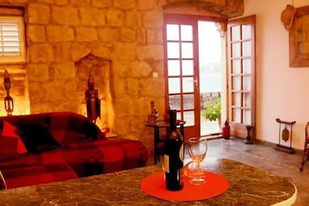 Stone cottage - Lopud