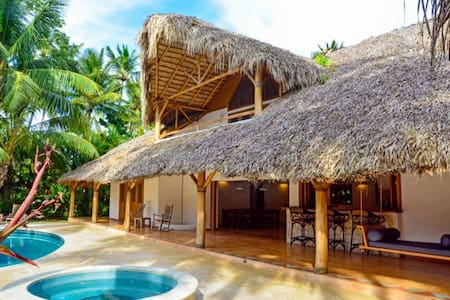 Luxury Villa 50m from Playa Coson