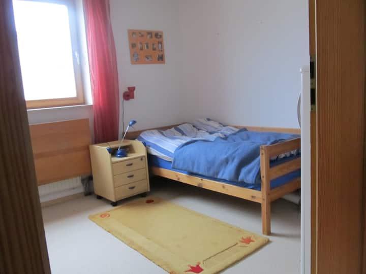 Zimmer in einer Doppelhaushälfte