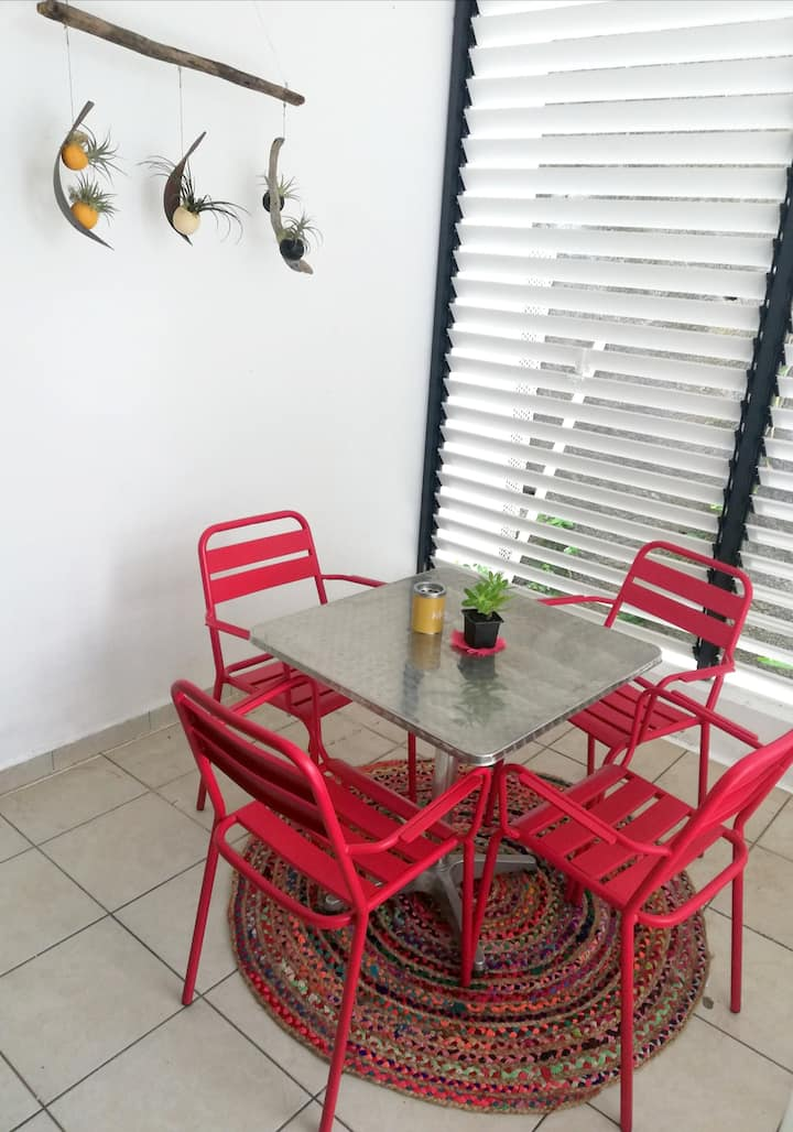 Apartment with one bedroom in Saint-Denis, , with furnished balcony and WiFi - 30 km from the beach