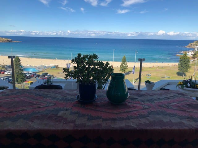 PENTHOUSE SUITE WITH THE BEST VIEWS OF BONDI BEACH