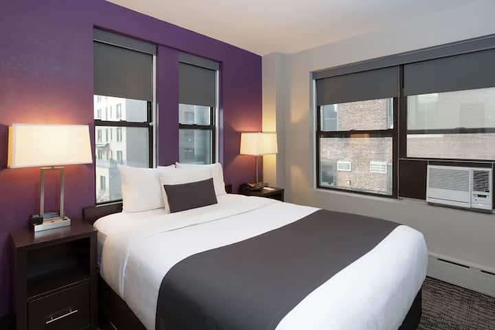 STAY NEAR CENTRAL PARK & TIME SQUARE!