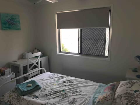 Single room in boutique townhouse in Scarborough