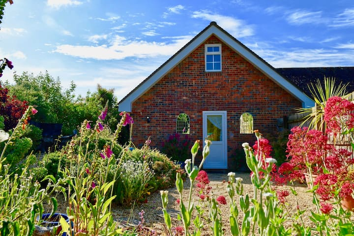 Rushcroft Lodge the beautiful New Forest sleeps 2.
