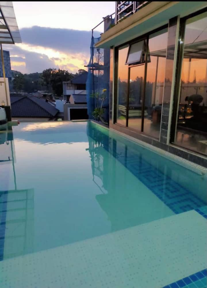 Setiabudi terrace stay with private pool n jacuzzy