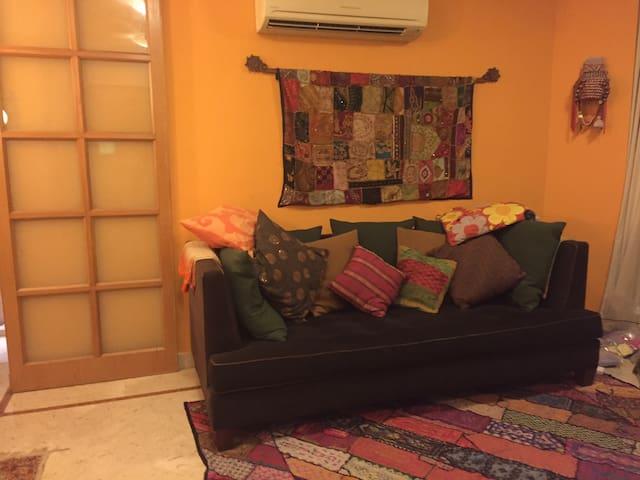 2 Bedroom Apartment Holland Village - Singapore - Apartment