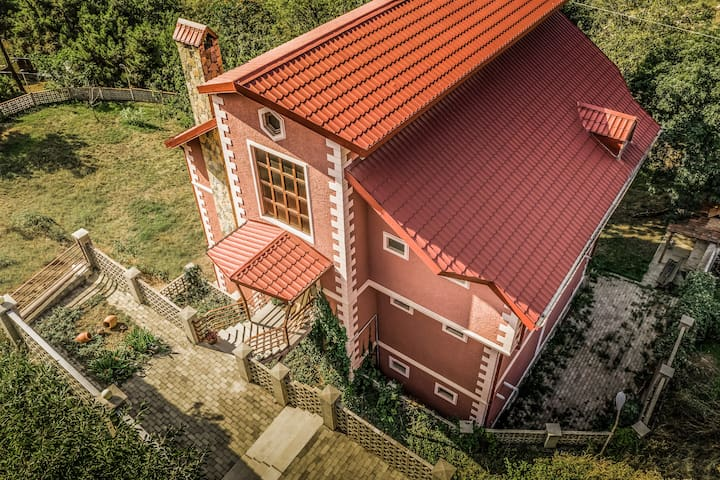 Mountaintop Villa B&B Tbilisi