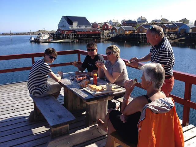 Rorbu på Tind i Lofoten - Tind - Houten huisje