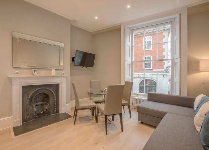 Cosy 1 bed at Bow Street - BS01