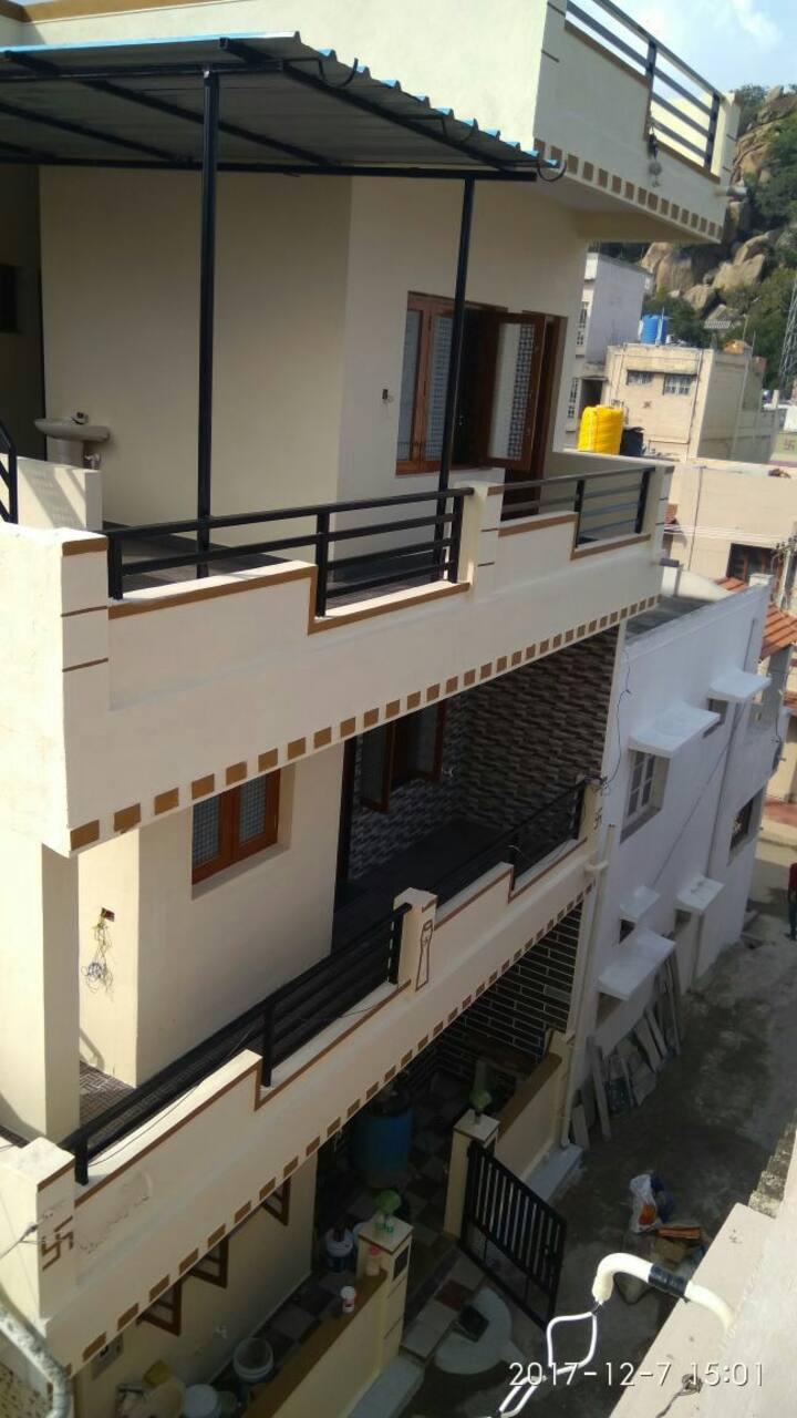 PADMAVATHI NILAYA-Furnished Double bed room