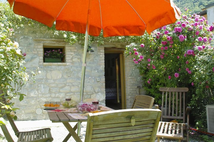 Minù, la maison des roses à Nogarolo di Tarzo