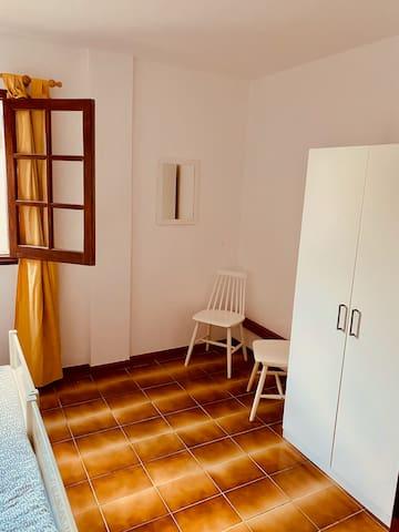 Das andere der kleineren Schlafzimmer.