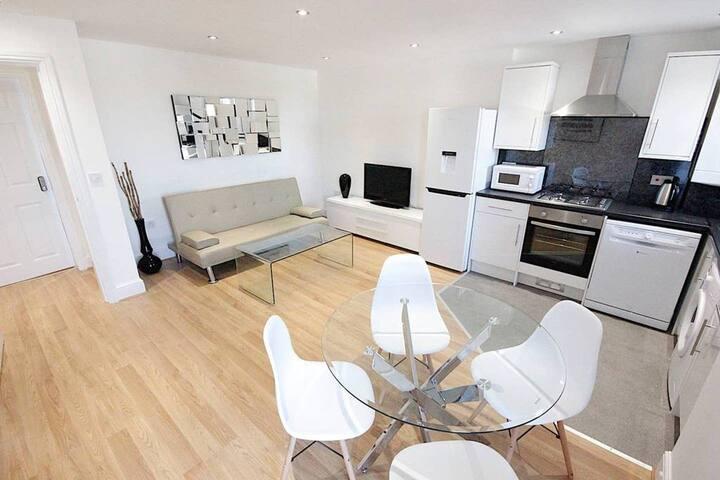 D  Large 3bd Apartment Westbourne Park