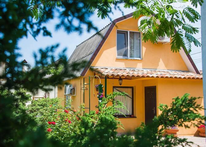 Аренда посуточно/Аренда для праздников, дом у моря - Odessa - Huis