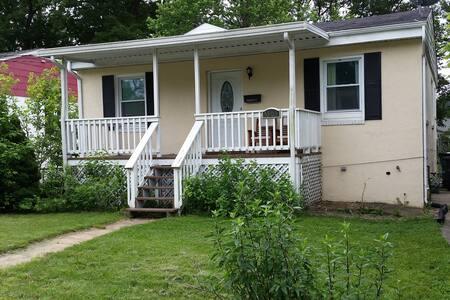 Rooms in Riverdale Park, Maryland - Riverdale Park