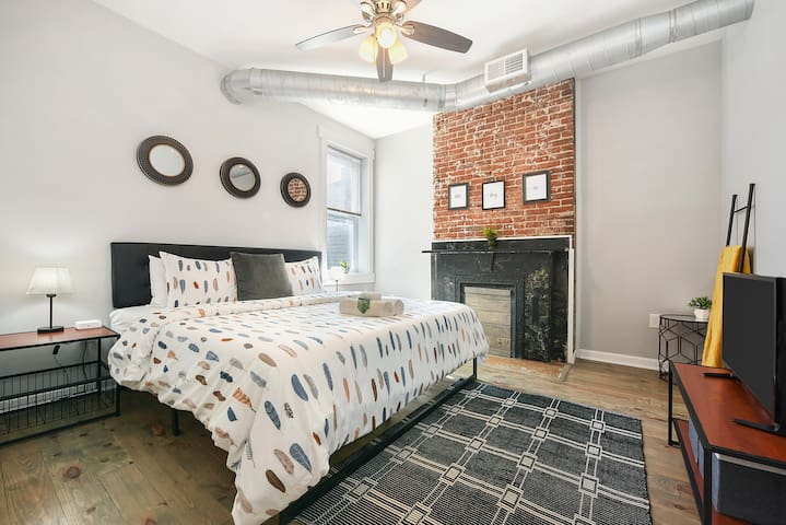 Pro Cleaning★King Bed★Free Parking★Great Location