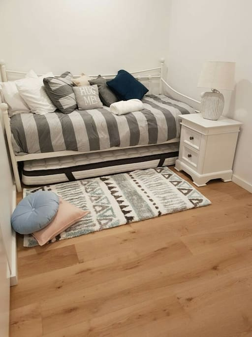 Study room-1 set single size day bed
