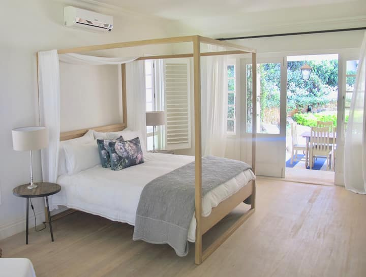 Spacious stylish cottage perfect for work/leisure