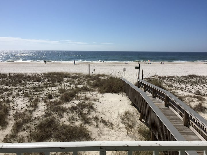 Gulf FRONT 2nd Floor 2BR Condo - Steps from BEACH!