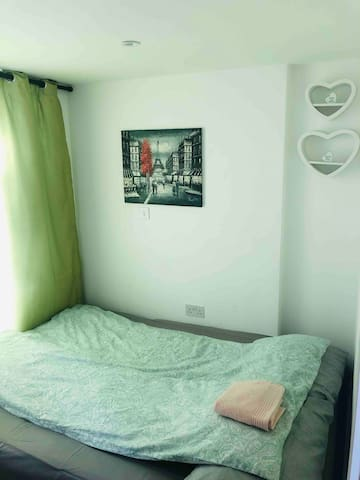 Great location ,cozy room with private terrace