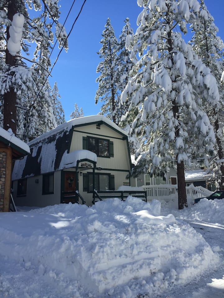 Come enjoy our Mountain Wonderland in Big Bear!!!