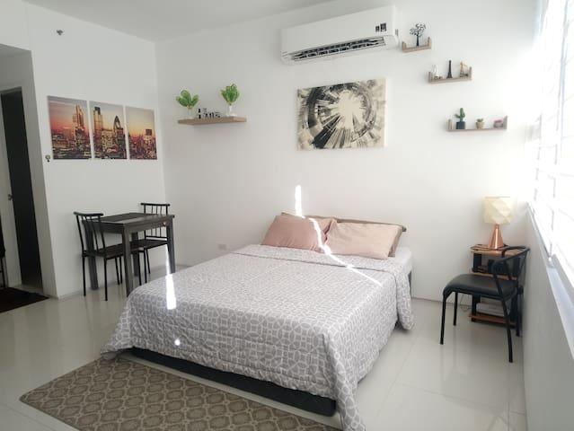 AVENIR Condominium, CEBU CITY  with WIFI :)